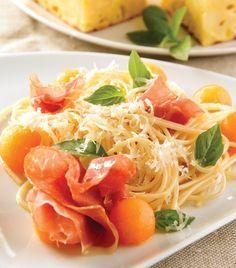 Espagueti con perlas de melón y jamón serrano... ¡Uff!