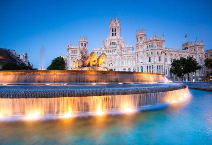 Doe mee met de cursus Spaans in Madrid en geniet van deze bruisende stad. Op de foto Plaza de Cibeles.
