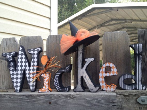 HalloweenWicked Letter Set- easy to do with wood letters and scrap book paper