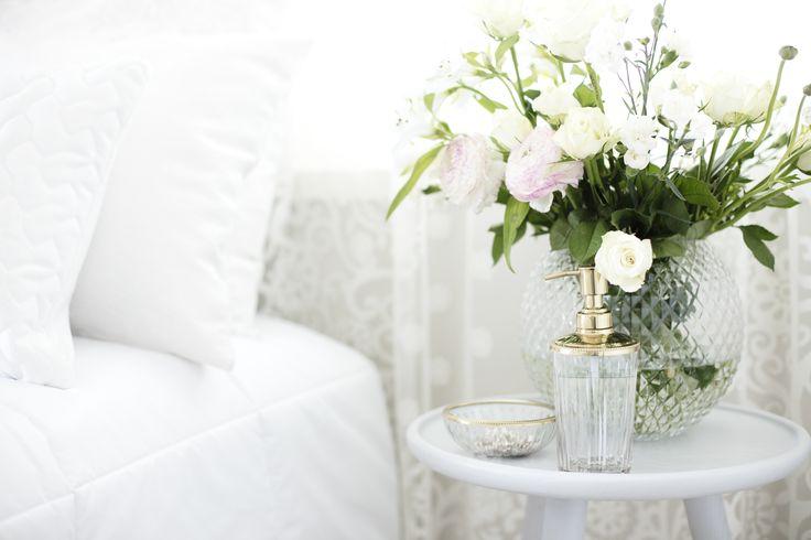 Lennol   Sointu Bed Spread, White & BELINDA Cushions, White