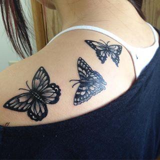 Este trío aleteando. | 35 Diseños de tatuajes perfectos para el hombro