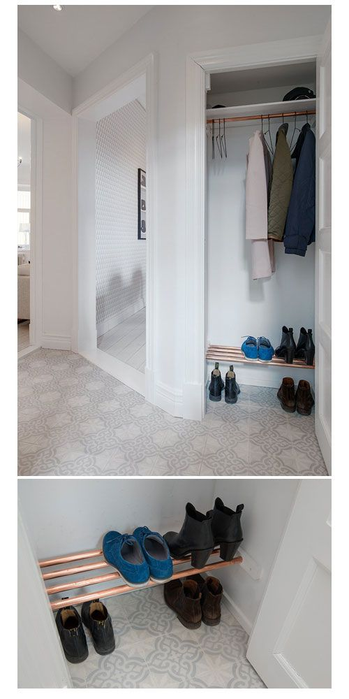 Closet with a small show rack