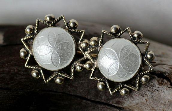 Arne Nordlie. Brosje i sterling sølv, med emalje. Vintage