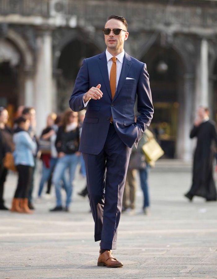 veste bleu marine homme costard mariage nuit cravate marron