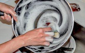 Como limpar panela antiaderente sem riscar, panela antiaderente como limpar sem riscar, limpeza panela antiaderente, limpeza panela teflon