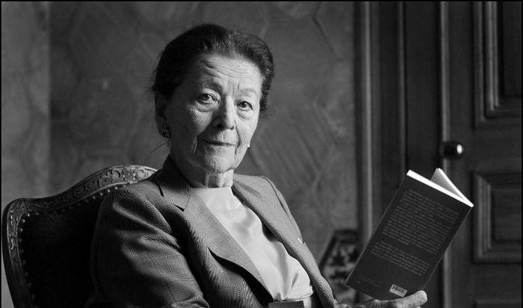 """La romancière Edmonde Charles-Roux est morte le 20 janvier 2016 à l'âge de 95 ans. à Marseille. Membre du jury du Prix Goncourt qu'elle avait reçu en novembre 1966 pour son roman """"Oublier Palerme"""""""