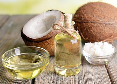 Кокосовое масло для волос: чем полезно изакакое время можно отрастить длину. Три способа применения ишесть вариантов масок. Как выбрать продукт вмагазине, иможноли «добыть» полезное вещество изнатурального кокоса дома.