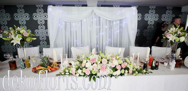 pastelowa dekoracja stołu głównego wesele Opole