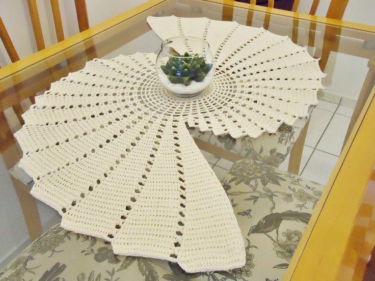 17 best images about centro de mesa e toalhas on pinterest for Centro de mesa a crochet
