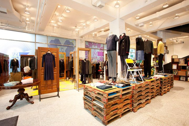 BEAKER flagship store Seoul. Where was this when I was doing retail projects for class?? Ugh!