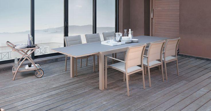 #Touch de #Talenti, c'est l'ensemble, #table et #fauteuils, conçus pour vos fastueux repas d'été. De 12 à 14 personnes pourront s'y installer, pour profiter de vos talents culinaires.
