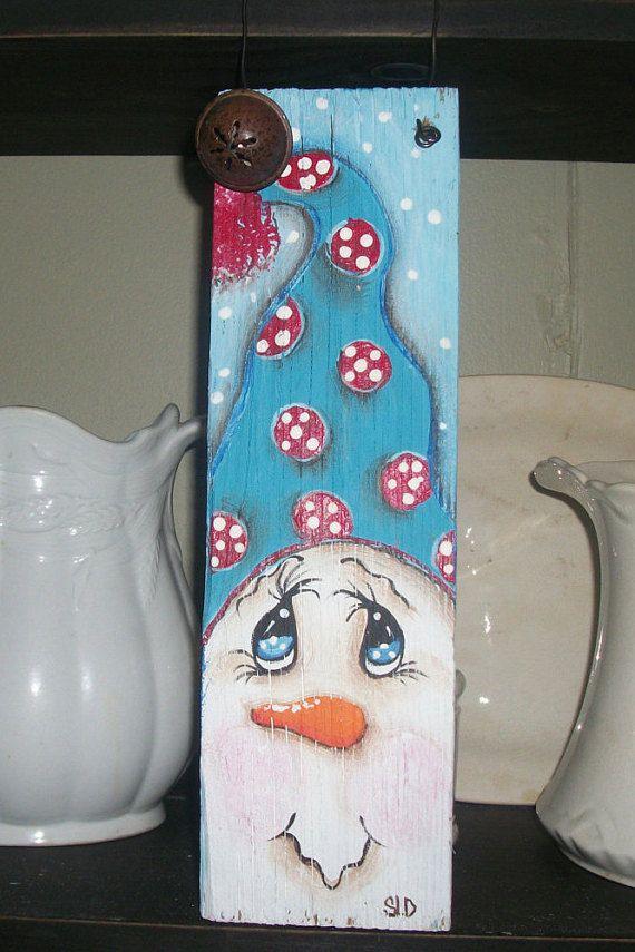 Hand painted snowman hanger,snowman sign,christmas sign,whimsical painting,whimsical christmas,christmas decor,shabby sign,christmas gift