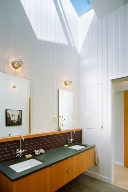 Bathroom of Berkeley Hills Residence, Malcolm Davis Architecture | Remodelista Architect / Designer Directory