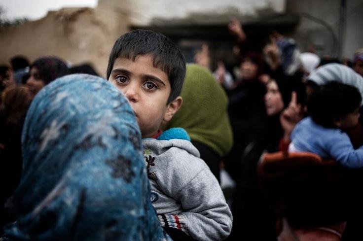 Vuoi aiutarci? Fai una donazione mensile, diventa Amico dell'UNICEF ora!   http://www.unicef.it/siria Grazie a te potremo rimanere in prima linea e garantire la sicurezza e il ritorno alla normalità ai bambini della Siria e a tanti bambini nel mondo fornendo loro assistenza nelle emergenze, alimenti terapeutici, cure mediche, istruzione e protezione.