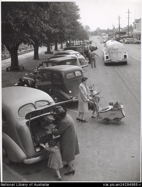 Culture Victoria - Main Street, Drouin, Victoria 1944