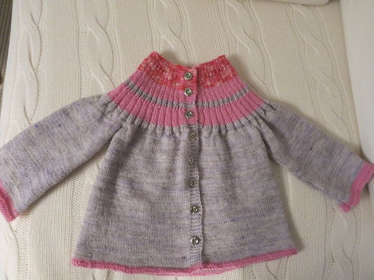 Cardigan to my grand daughter, 86 cm