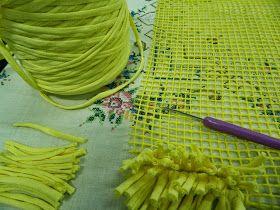 TUeliges la forma de confeccionar tu alfombra de trapillo con NUDO, TIENES 2 OPCIONES: nudo a mano o con aguja, NOSOTROS HEMOS UTILIZAD...