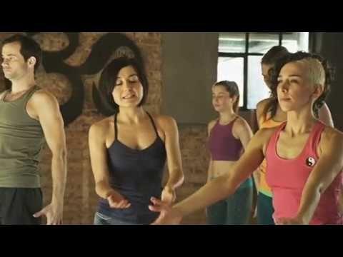 Başlangıç Seviyesi Yoga Dersi 1. bölüm : Zeynep Çelen - YouTube