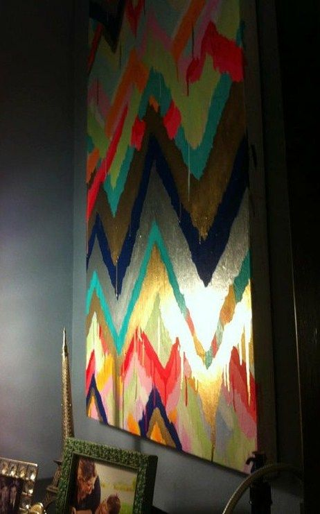 DIY painting....Love this!        DIY Painted canvas wall art.  Love the metallic effect.