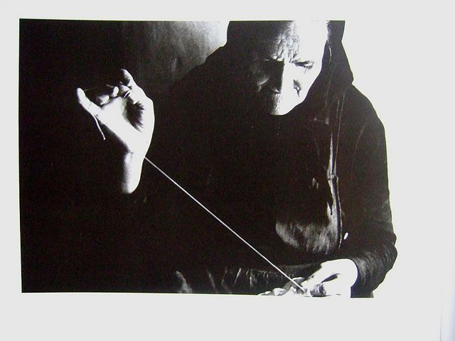 A Crone working with thread, very evocotive. Ramon Masats