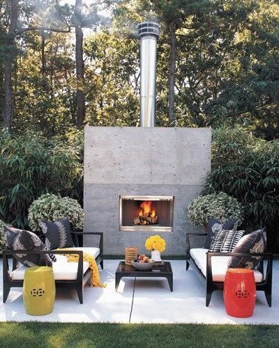 Minimalist indoor-outdoor influenced space in Wainscott, New York.Modern Fireplaces, Ideas, Outdoorliving, Outdoor Living Room, Outdoor Fireplaces, Patios, Gardens Stools, Outdoor Spaces, Backyards
