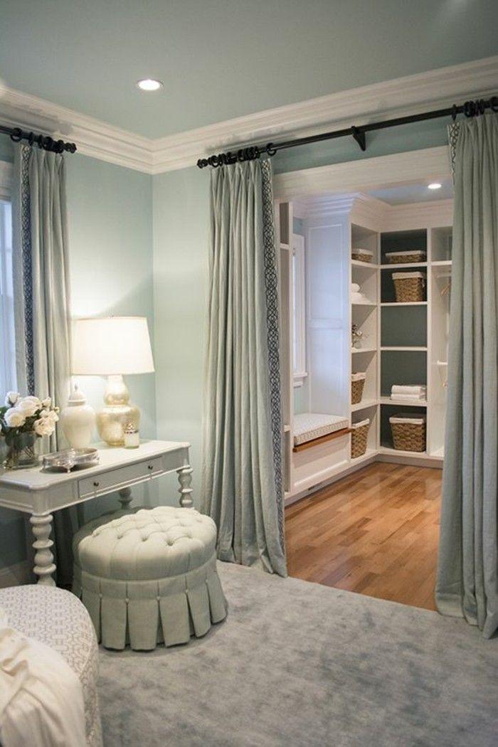 Ankleidezimmer Einrichten Tipps Tricks Und Inspirationen In 2020 Ankleide Zimmer Begehbarer Kleiderschrank Raumteiler Ankleidezimmer