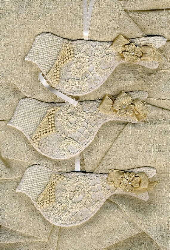 burlap & lace bird ornaments--this is exactly what I was looking for last year, but I couldn't find anything like it. I should start on making these now. So cute!