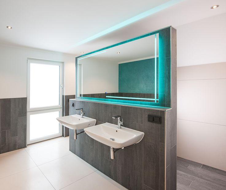 Gestaltungsideen für das Bad. Licht, Oberflächen und Akzente