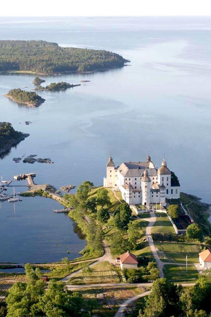 Läckö Slott, Vänern | Sweden  #hoteisdeluxo #boutiquehotels #hoteisboutique #viagem #viagemdeluxo #travel #luxurytravel #turismo #turismodeluxo #instatravel #travel #travelgram #Bitsmag #BitsmagTV   http://bitsmag.com.br/viagem