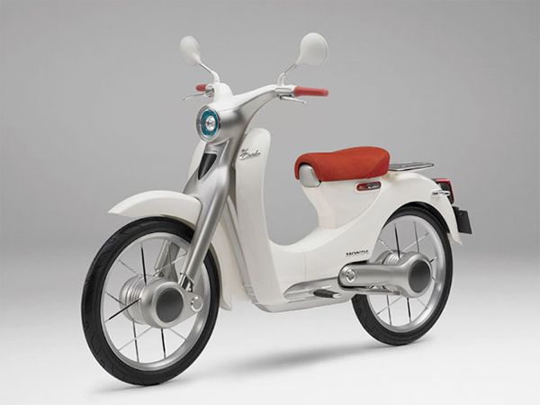 Honda's timeless Super Cub motorcycle showcased with a touch of EV / スーパーカブ
