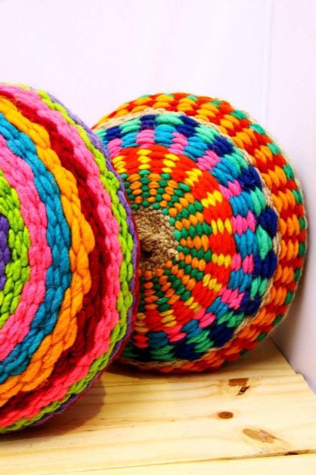 Almohadones Redondos Tejidos En Telar - $ 410,00 en MercadoLibre