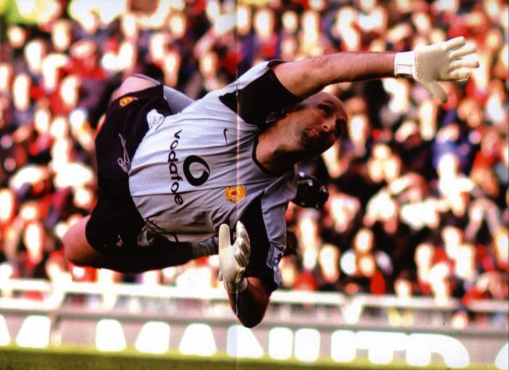 acrobatics from MUFC keeper Fabien Barthez.