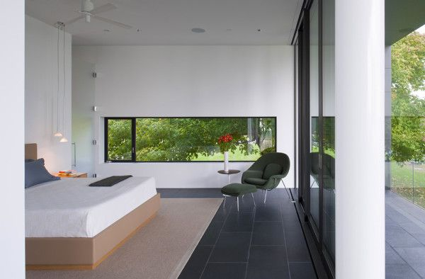 Bedroom Glass Wall Ideas from Contemporary House Design Ideas With View Of The Beach 600x394 Contemporary House Design Ideas With View Of The Beach