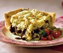 Rodfrugttærte med kartofler, persillerod, pastinak samt lækkert tilbehør med soltørrede tomater.