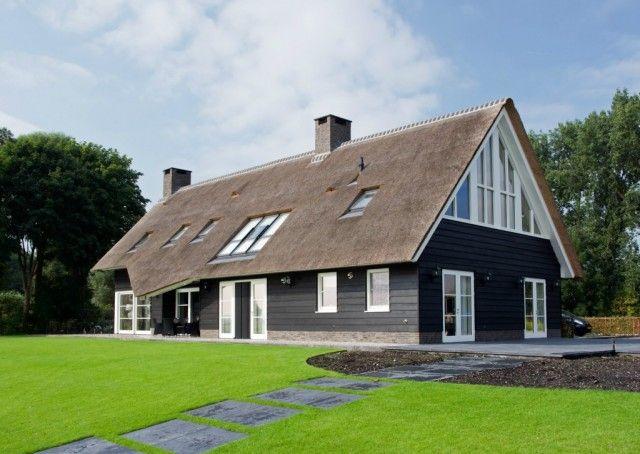 Huis 28 riet gedekt onze huizen presolid home idee n voor het huis pinterest thuis - Modern stijl huis ...