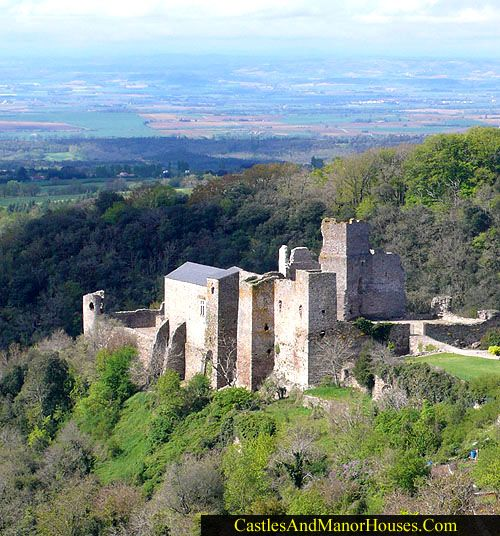 Château de Saissac, Saissac, Aude département, Languedoc, France....   http://www.catharcastles.info/saissac.php?key=saissac  ....   The Château de Saissac is a ruined Cathar Castle on a promontory. The village is typical of the Black Mountains and is built between the ravines of the rivers Aiguebelle and Vernassonne, just above their confluence, overlooking the plain of Carcassonne at an important strategic position at the entry of the Black Mountains (Montagnes Noires).