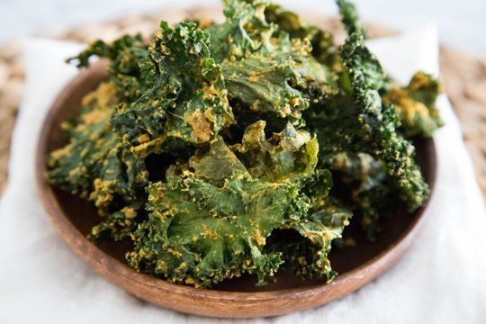 Recipe: Cheesy Vegan Kale Chips — Snack Recipes from The Kitchn ...