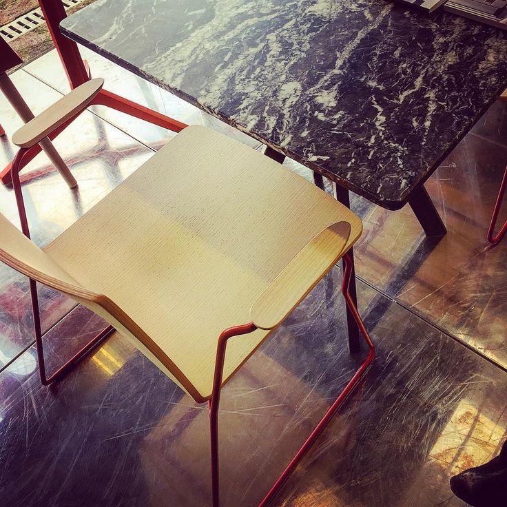 People At work!  #redesign#contract#progetto#edilizia#relooking#arredo#decor#light#architettura#interior#design#allestimento#vetrina#impresa#ristrutturare#casa#bathroom#retail#retailshop#negozi#bar#cafe#shop#bakery#ristorante#interni#illuminazione#decor#wallpaper#milano#seat http://www.butimag.com/ristorante/post/1468280490309363683_3230461463/?code=BRgYVOfhqfj