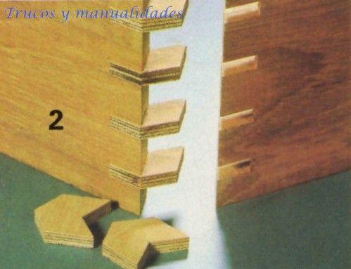 2 Al aserrar los encajes hay que tener mucho cuidado en que la testa de los tableros o tablas quede asentada perfectamente sobre la mesa de la sierra circular. Share on FacebookShare on Google+Share on TwitterShare on Pinterest