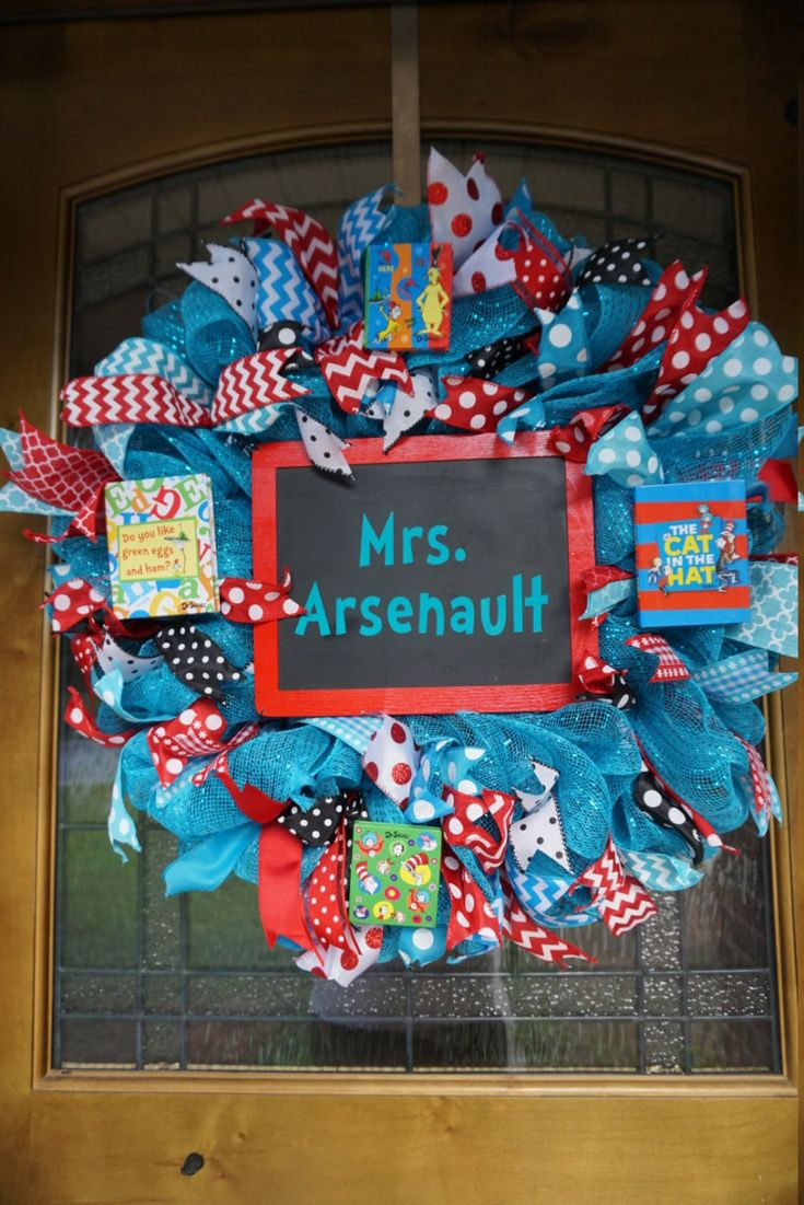 Best 25 classroom wreath ideas on pinterest school for 3 wreath door decoration