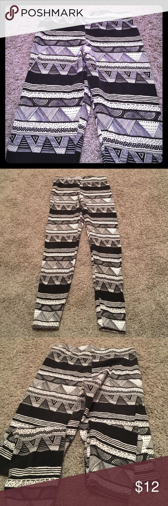 American Apparel Leggings Black and White tribal patterned leggings American Apparel Pants Leggings