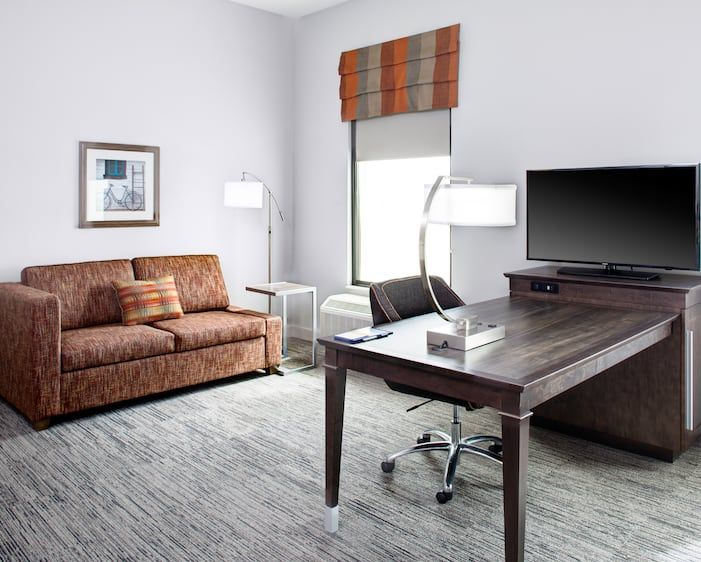 Hampton Inn And Suites By Hilton Pittsburg Ks Hotel Home Decor