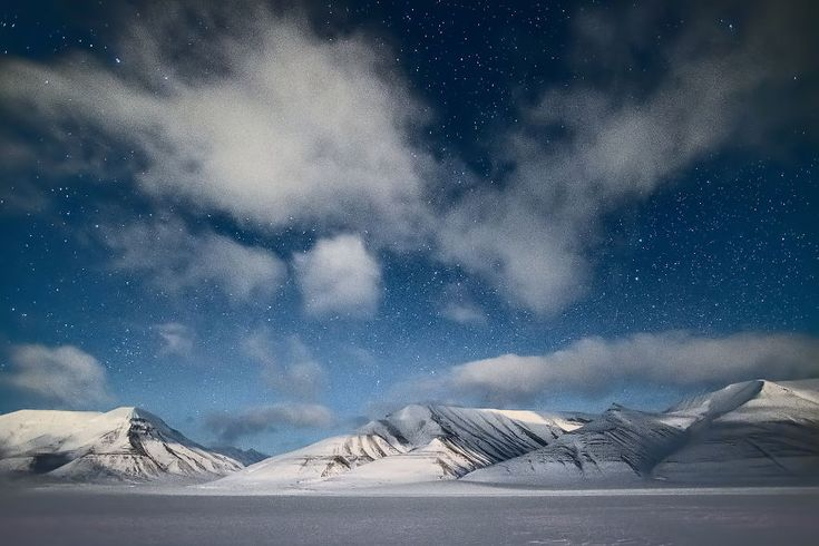 I Photographed World's Northernmost Settlement During Polar Night, When Sun Doesn't Rise For Several Months