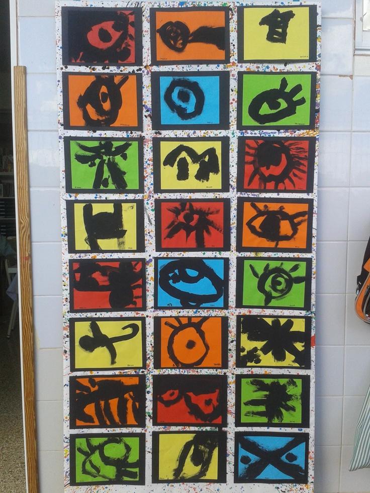 Símbols de Miró, fulls de colors, pintura negra. Aula 4 anys