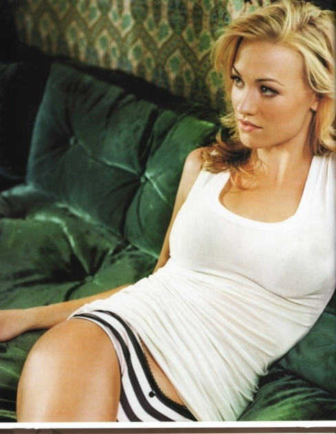 Yvonne Strahovski...my new goal is to look this good.