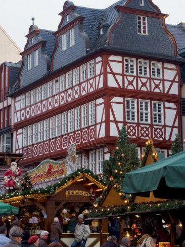 christmas market in germany   Weihnachtsmarkt  Frankfurt, Hessen, repinned by www.mybestgermanrecipes.com