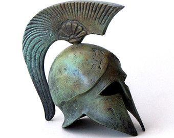 Arte de bronce casco griego antiguo casco corintio por GreekMythos