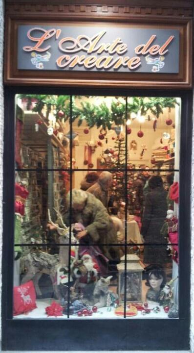 L'arte del Creare, in via Bossolaro a Pavia, in edizione Natale 2012