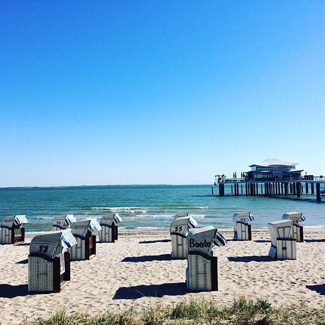 Strand in Timmendorf morgens um 9  www.niendorf-ostsee.net  #meeralsmeer #ostseeappartements #urlaub #traveling #ostsee #traveling #strand #strandkorb #ferien #ferienwohnung #fewo #sonne #baden #timmendorferstrand #appartments #meerblick #wohnenammeer #fun