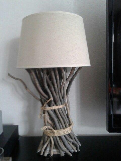 Hij is klaar :) mn driftwoodlamp